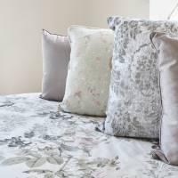 21 Main bedroom Assorted cushions