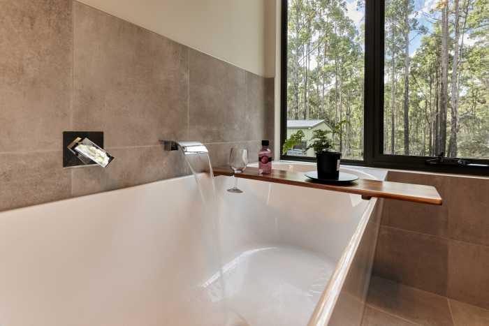 Chrome Tapware over modular Bath
