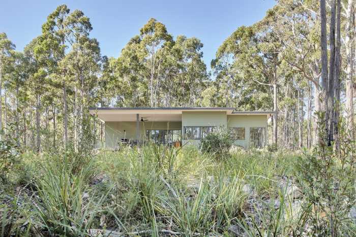 Transportable Home in Northern Tasmanian Bushland