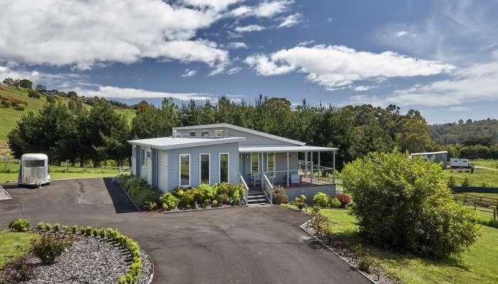 Hardwicke design for rural living
