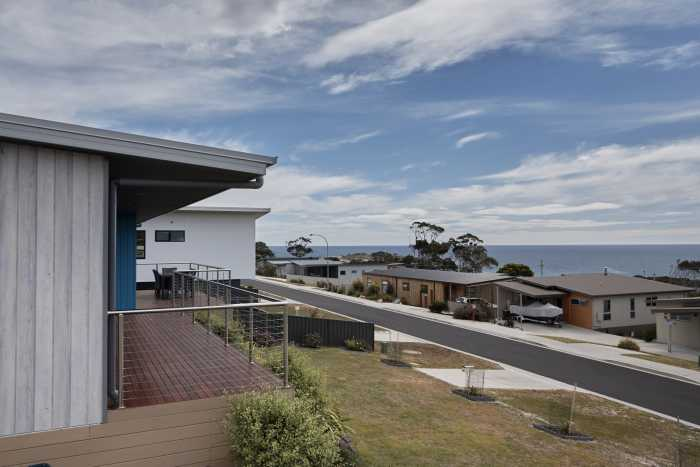 Verandah and deck with Views