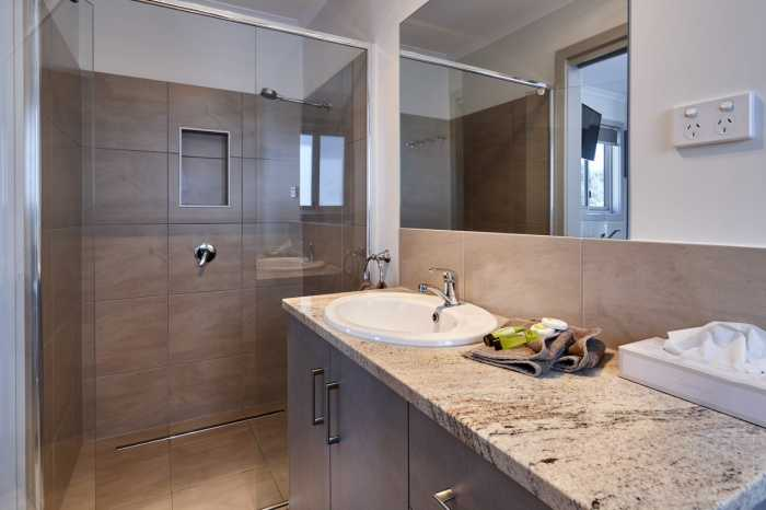 Bathroom with granite benchtop