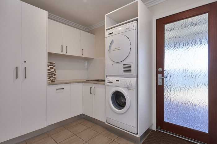 Laundry with appliance tower