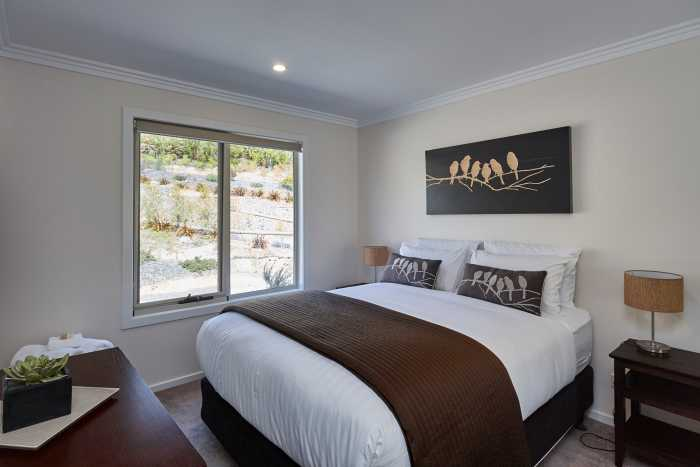 Double bedroom near Hobart