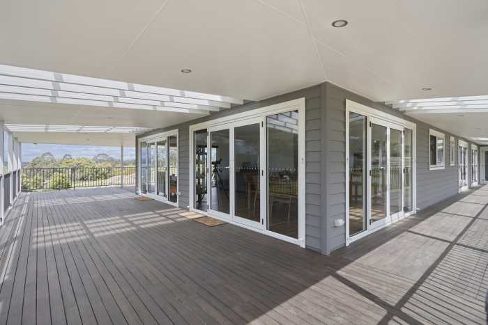 Wide Verandah on Weatherboard Country Home at Clarence Point