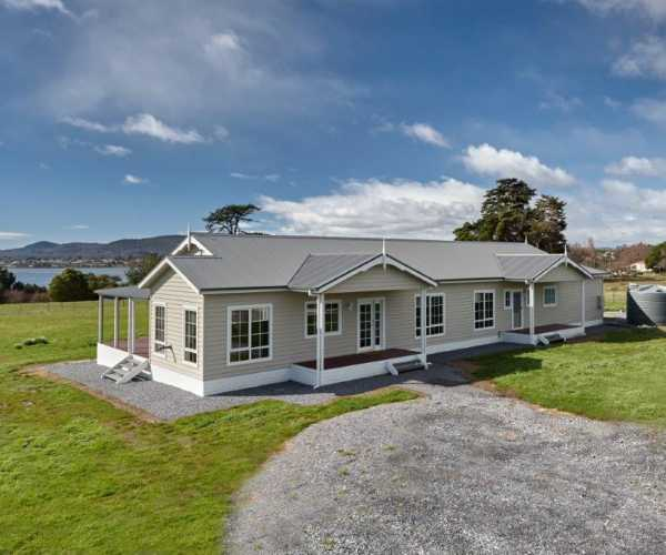 Beautiful modular country home near Launceston