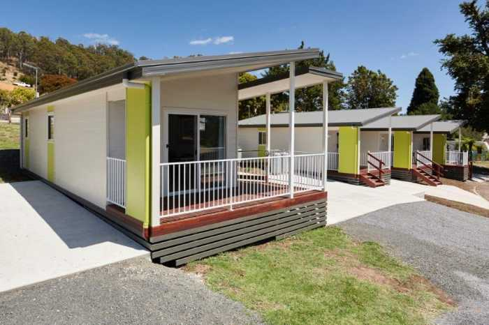 Contemporary holiday cabins in Launceston by Tasbuilt