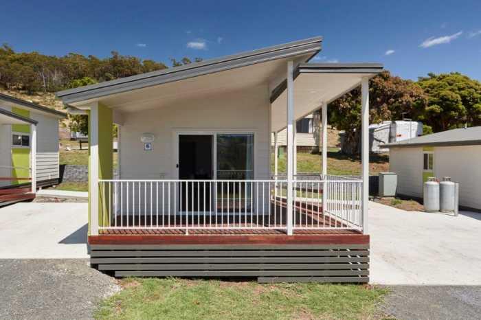 Modern holiday cabins in Launceston by Tasbuilt