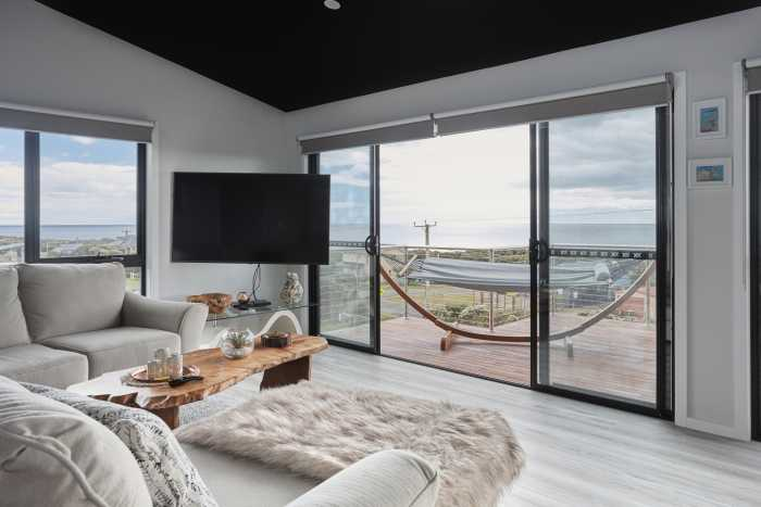 Modern Beachside escape at Bellbuoy Beach